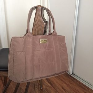 Handbags - NWT quilted bag